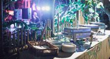 Er zijn verschillende catering mogelijkheden in de Jungle Dome